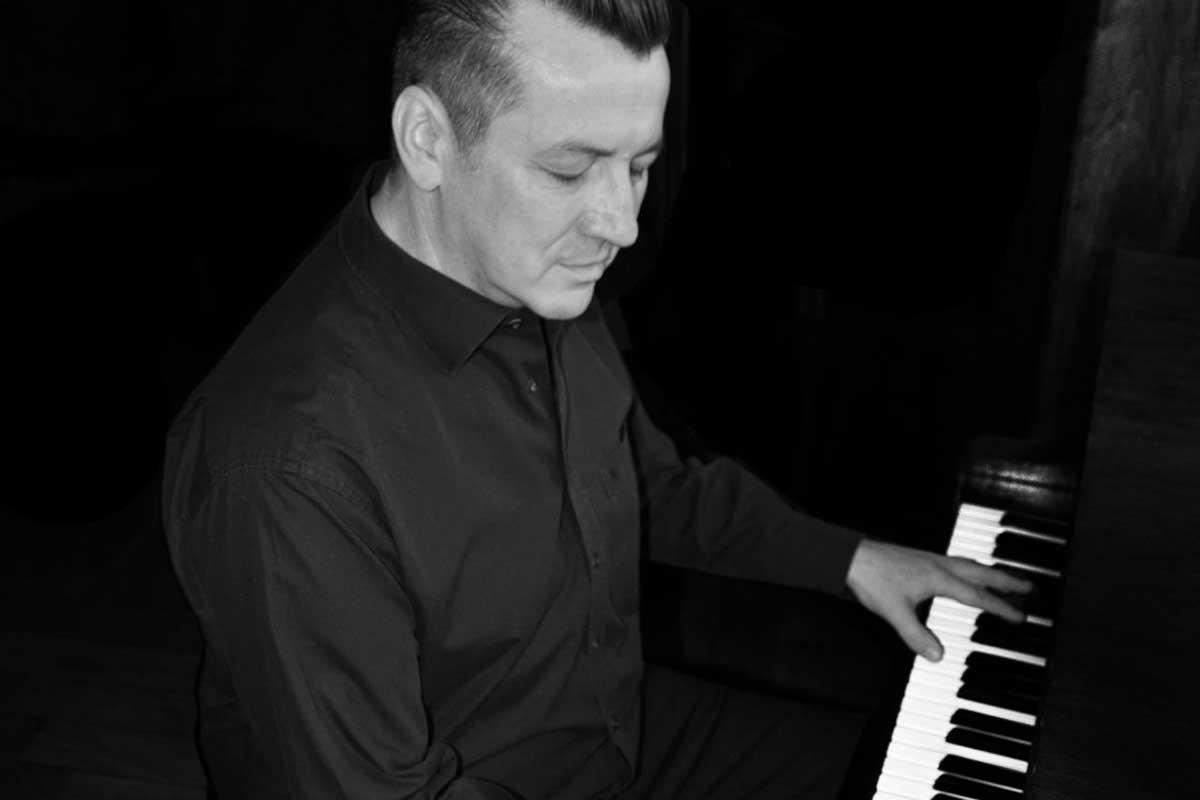 Pressefoto Harald Krüger Piano (s/w) (Foto: Tanja Schneider)